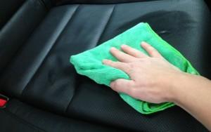 cosa non fare quando pulite auto